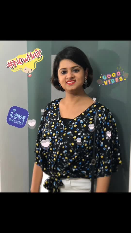 """""""Your relationship with yourself sets the tone for every other relationship you have.""""  #love #livelife #lovelife #spreadlove #happiness #spreadhappiness #wearsmile #smlie #lifestyle #nailblogger #style #fashion soroposo #designyournailsbyisha #facebehindthenails #roposofashion #roposoblogger #shorthair #livelifehappy #nailblogger #indianblogger #newhair #goodvibes #loveyourself #hearts"""