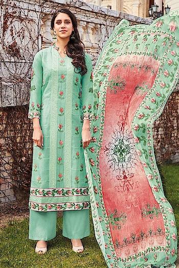Easy Breezy #Green #lawncotton Straight Cut Style Suit available @ https://goo.gl/ja59Av #newarrivals #shoponline #summercollection #jinaam #manndola #digitalprint #digitalprinted #summerhues #eidsale #bakraeid #bakraeidsale #jashneeid #sneakpeek #summerwear #misshingary #USA #India #Canada #Australia #Dubai #UAE #Mauritius #London #Uk #shopnow