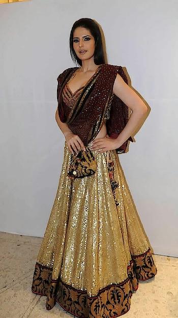 #zareenkhan #hotmodel #bollywoodbeauty
