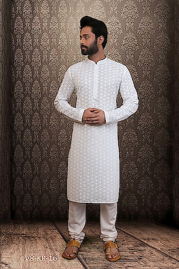 #Vivah Collection #White Kurta With #OffwhiteBottom #chikankurta #Indianlook #lookgoodfeelgood #betraditional #Fasiontoday #independenceday #whiteloverforever #forRich & #RoyalLook to Know more details whatsapp on 919820936178