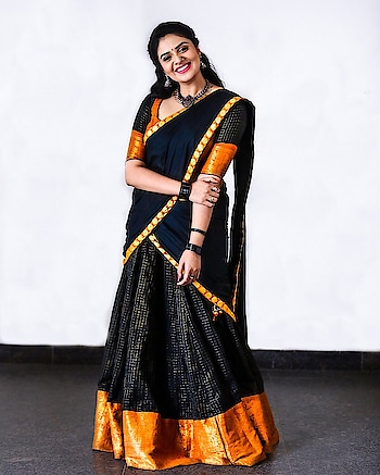 SreeMukhi #sreemukhi #southindianactress #halfsaree #teluguactress #black #blackdress #blackfashion #blackhalfsaree #southindianfashion #southindiafashion #indianfashion #indiafashion #indianstyle