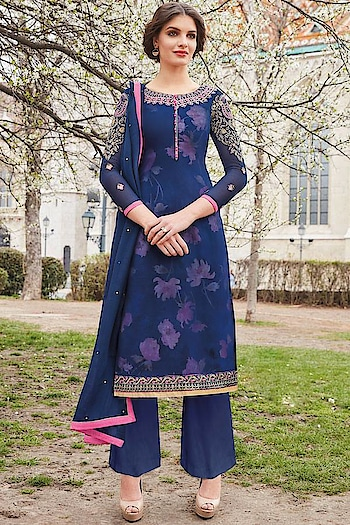 Fresh Arrival ! Shop this Lovely #navyblue Straight Cut Suit @ https://goo.gl/kTdtXd #newarrivals #shoponline #partywear #jinaam #manndola #digitalprint #digitalprinted #blackisbold #eidsale #bakraeid #bakraeidsale #jashneeid #ootd #sneakpeek #razah #razahbrenda #indianfashion #USA #India #Canada #Australia #Dubai #UAE #Mauritius #London #Uk #sho