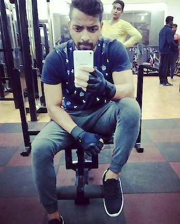 After workout 😉😀 . . . . #fitness #fit #fitnessmodel #fitnessfreak #fitnessaddict #fitnessgoals #fitnessjourney #fitnesslifestyle #fitnessinspiration #fitnesslover #fitnesslife #gym #gymlife #gymselfie #gymfreak #gymfreak #follow4like #like #likeformore