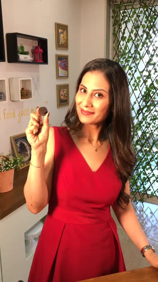 Shravan month doesn't mean you have to avoid cupcakes. Here's my eggless Oreo Cupcake recipe video. 💋💋💋 Love M #ChefMeghna #Eggless #Cupcakes #Recipe #hungrytv