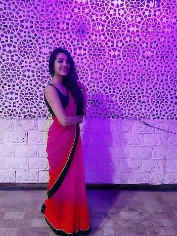 Aaja aaja main hu pyaar tera 🎶😂 . . Instagram- @allandabout_ . . . . #ajaaja #mainhoonpyaartera #mohdraffi #oldsong #saree #georgettesaree  #georgette  #traditional #ethnic-wear #sareegirl #sareewaligirl  #traditionallove #familyfunction  #pink  #summercolors #poser #ootd #newonroposo #noedit  #newontheblog #be-fashionable #fashionables #influencer #noida-delhi #fashioninspiration #fashioninfluencer #potd #postoftheday #allandabout_ #likeforlike #followme #likeme #goodeveningpost #goodevening