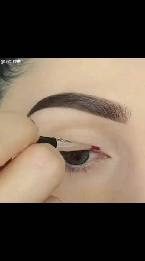 Follow @weworshipmakeup❤ . . . . #weworshipmakeup #makeuptutorial #makeupideas #makeupvideo #hudabeauty #beautymakeup #indianmakeup #makeuptutorials #kyliecosmetics #makeupclass #makeupcourse #makeupchallenge #makeuplooks #makeuplover #makeuplovers #makeuplife