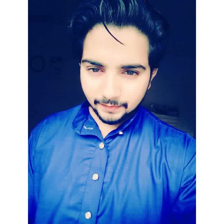 feeling blue.💙..After a long time here. #me #iamshahbazrehan #shahbaz_rehan #shahbazrehan #pic-click #ropo-love #instalove #roposofashionblogger #roposofashionista #featureme #feed #selfmusing #eyeconic #natural-look #followers #followme #like4follow #igersindia