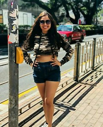 #bollywoodactress #filmistaan #kyacoolhaihum3 #mumbaigirls #hongkongblogger #hongkong #weekendvibes #shootdiaries #photo-shoto
