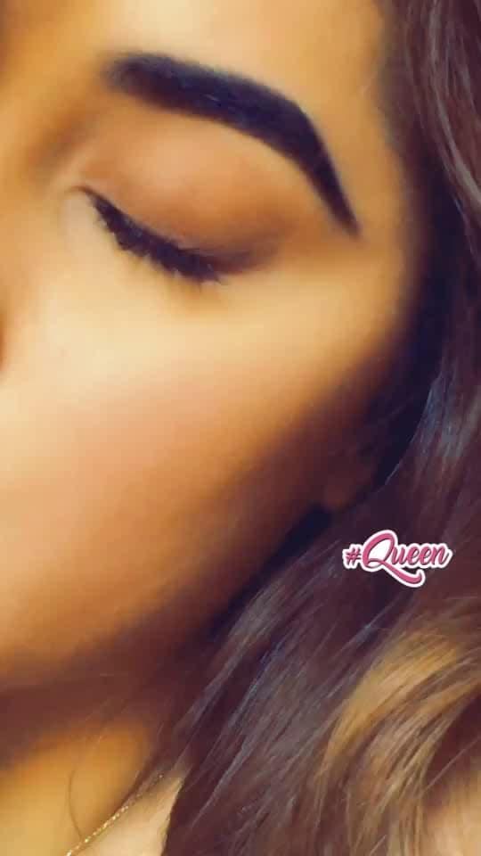 #hottie #hot #hotness #hot-hot-hot  #greenbeauty #maulamere #indian #greeneyes #queen