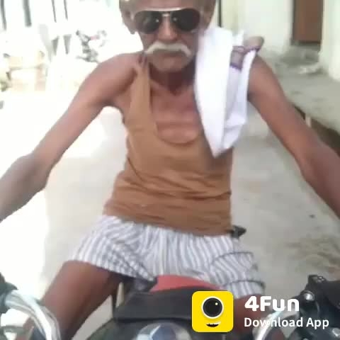 #dada #fathers #villain #village #comedymemes #sexyeyes #sexy-face #funnyvine #pahadi #villeger #entry