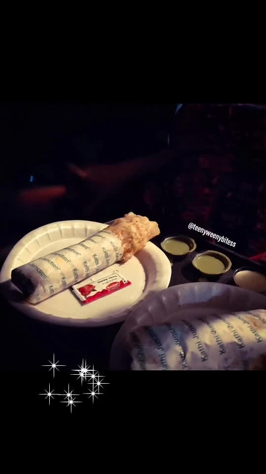 Last night.. it was about  #KathiRolls  A small kathi roll junction is the best option for small hunger. We were in Gandhinagar and ordered #DoubleEggDoubleChicken kathi roll. It was good. Chicken was tender, spicy, tangy and was in generous amount. It was served along with chutney.  Food: ❤️❤️❤️❤️ Ambience:❤️❤️ Price:❤️❤️❤️❤️ Recommend: yes, to all the nonveg lovers.  For delicious updates... Follow 👉🏻👉🏻@teenyweenybitess 👈🏻👈🏻 . . . . . #TeenyWeenyBitess #Foodie #FoodieForLife #Foodislife #PicOfTheDay #FoodLover #Foodaholic #FoodBlogger #FoodPhotography #FoodFood #Eeeeeats #FoodPassion #Foody #Foods #Foodstagram #Delicious #DeliciousFood #Yummy #Travelgram #Likes #LikesforLike #FollowMe #Follow #Followers #all_shots