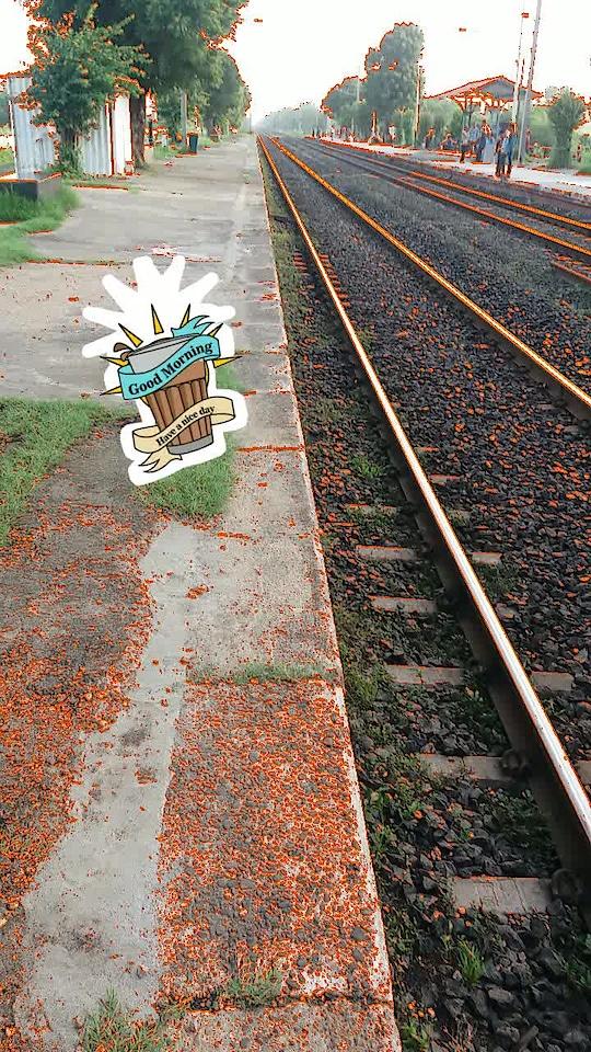 Good Morning #thursdaythoughts #morningvibes #thursday  #railways #railwaystation #train #travelling  #travelphotography #goodmorning