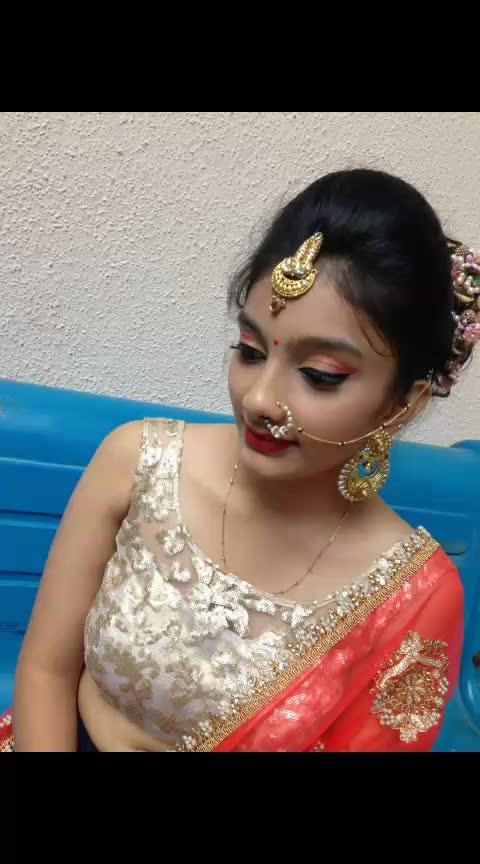 @makeupbyhasmita #hairandmakeupartist #hairdo #makeupdo   #indianmakeupartist  #roposomakeup #dowhatyoulovelovewhatyoudo  #lovemyjob  #maccosmetics #paccosmetic #messyhair #indainwedding #roposo #Mua