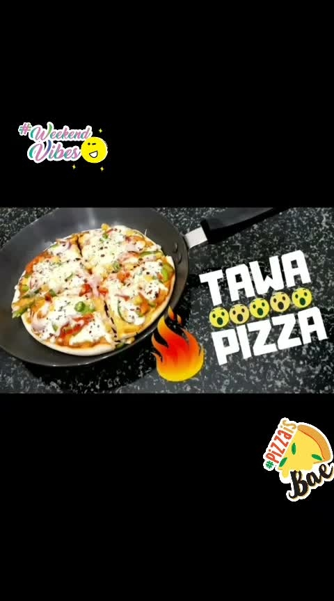 HomeMade Tawa/Pan Pizza in simple steps😍 For detailed recipe go to my YouTube channel 'Learn Lively' 😊 Youtube.com/c/learnlively Link in bio  #pizza #pizzalovers #homemadefood #homemadepizza #panpizza  #showsomelove #cheesy #veggies