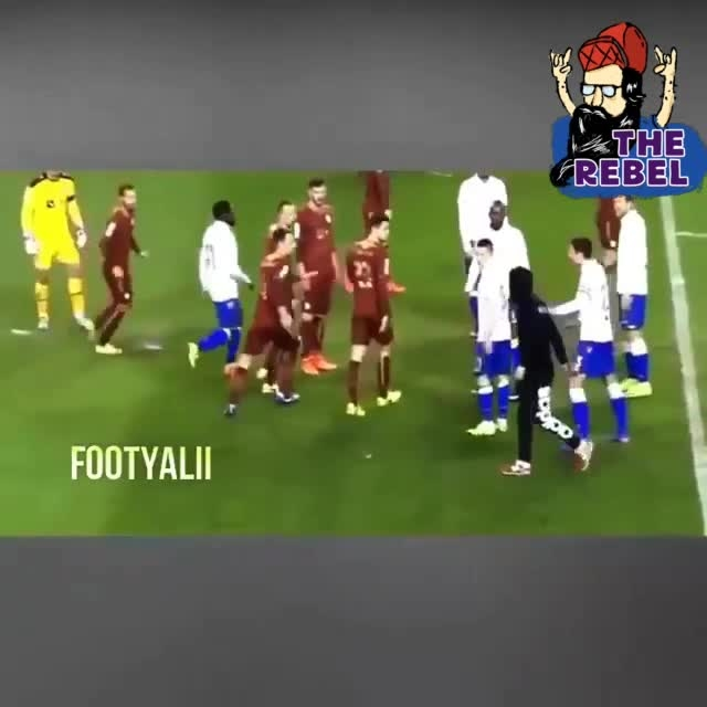 football match fight ....#roposolove #football #footballmoments #ropo-video #roposolike #roposo-funny #wow #sports_tv #sportsshoes #funny #trendeing #hahatv #hahatvchannel #news #followme @itsmehozzy #therebel