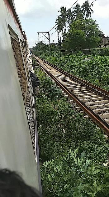 Mumbai train travel  travelling from #chembur to #vashi  #mumbailocal #mumbailocaltrain