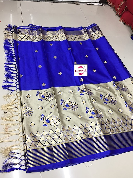 Pure Silk Cotton with matching tassel....... Price : Rs.1200/- Contact or WA : 98254 42027 7 colors #silksaree #wedding-outfits #bridal-fashion-designer #fashionstatement #sellonline #onlinestore #nari-in-sari