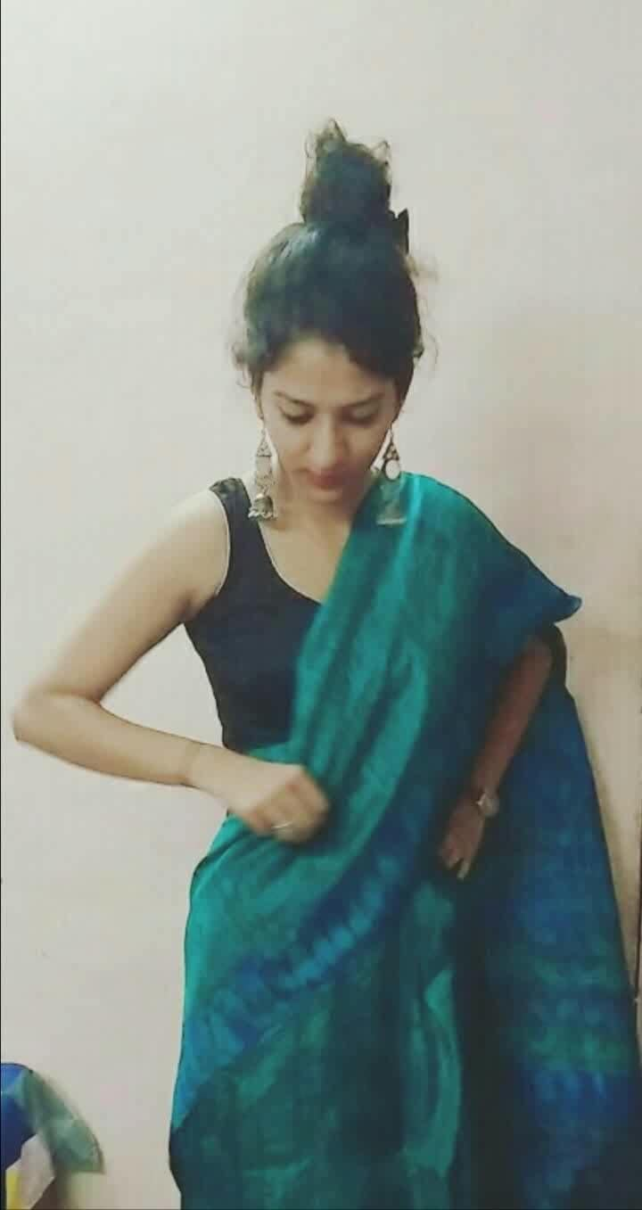 When you wear silk saree for the first time, you can't help thinking whether to manage your saree or yourself ?! 😒 . . PS: It's my nani's saree, so I loved wearing it very much. And I'm the luckiest in my fam that I got this. 💟  #TeachingDiaries  Also I'll keep sharing my day to day teaching days experience/or what anything related to it. So bear with me 😋 . . . #mytales  #mycall  #mylearnings #myexperience #everyday #lifehappens #cherishlife #loveyourselffirst #blissfull #godblessusall #teaching #teachingdays #teacher #medamji #😂 #dangerouswoman #silk #silksaree #silksareeindia  #traditional #ethnic-wear #sareegirl #sareewaligirl #blue-green  #traditionallove #SchoolPTM #hotteacher #maybe  #ptm  #turquoiseblue  #summercolors #poser #ootd #newonroposo #noedit  #newontheblog #be-fashionable #fashionables #influencer #noida-delhi #fashioninspiration #fashioninfluencer #potd #postoftheday #allandabout_ #likeforlike #followme #likeme #goodeveningpost #goodevening #100 #100views