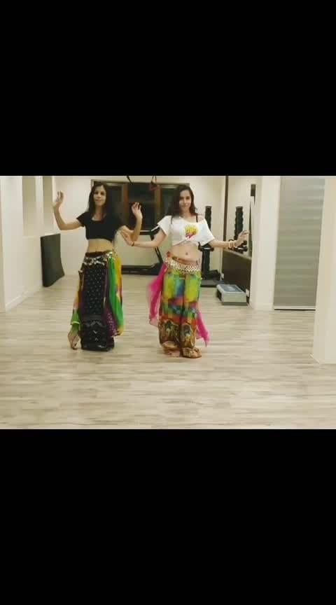 Our Matunga Bombshells  Dancers : @themessyadult @___batranikita___ ❤️ Choreography : @teamnaach  Project Urvasi - @bennydayalofficial @jasimonline  Studio: @impulsestudiomumbai  #bellyfusion #takeiteasyurvashi #bennydayal #tamil #prabhudeva #bellydance#bellydancers#enriqueiglesias #teamnaach #teamnaachchoreography #dance#curvylicious #dancelife #dancers #mumbaidancers #dancecover #bestoftheday #danceroutine #dancevideo #choreography #bollywood @indiandancefederation_ @voompla @mumbaidancers