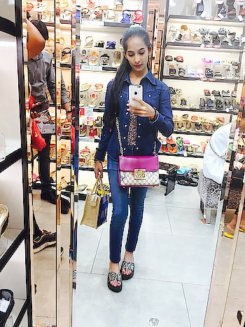 while shopping steletoes❤️👠 #steletoes #ropo-love #ropo-beauty #ropo-style #ropo-good #roposo-fashiondiaries #roposo #soroposo #soroposofashion #soroposoblogger #be-fashionable #stayclassyandsassy