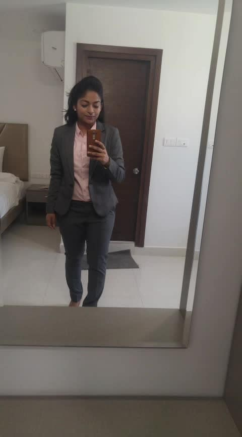 Formal Look of the day . #lookgoodfeelgood #fashionquotient #rangoli #ootd #wow #trending #beats #roposostars #formalstyle #formalshirt #hnm #styleblogger #twinklewithmystyle
