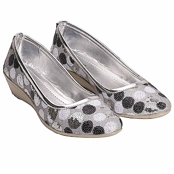 Tryfeet Silver Wedge Bellies for Girls and Womens  Here are some amazing bellies of low price fromthe house of Tryfeet   #bellies #girlsbellies #bellieshoes    https://www.amazon.in/dp/B07H932S73