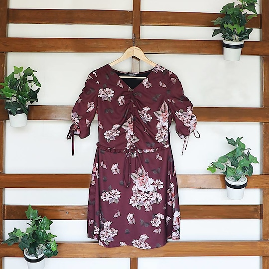 On Fridays, we wear florals! Steal florals to be on fleak this autumn : https://goo.gl/EWNqQb  #indowesternlook #ropo-good #ropo-style #westernwear #faballey #super #outitoftheday #be-fashionable   #women-clothing #befashioable