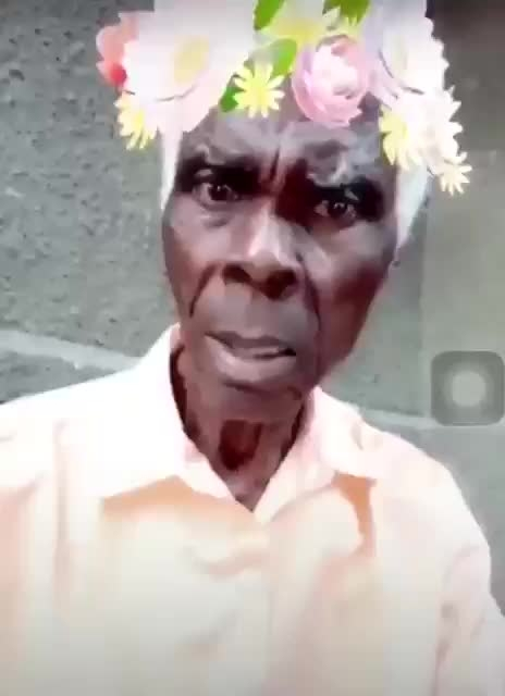 uncle trying to take selfie in snap chat #roposo-funny #roposo-comedy #snapchatmenow #dubsmash #photo