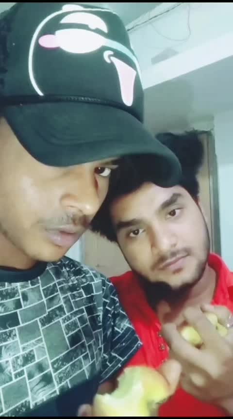 @ahamadradam #manifold #manifoldeffect #roposo #roposoeffects #funny #roposo-funny #funnyvideos #apple #likeforfollows