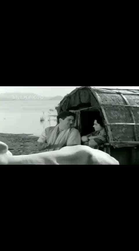 #old #oldsongs #old_is_gold #purani_yaadein #ilovemusic #hot #hotcouple
