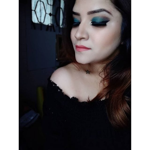 Don't lose the spark that makes you, you 🌠  Product Breakdown : @nyxcosmetics conceal, correct, contour palette @makeuprevolution pro full cover camouflage foundation @makeupforeverofficial ultra HD pressed powder micro finishing 02 #banana @freedom_makeup pro contour @kikomilano dark treasure 03 stylish cedar rose @beccacosmetics shimmering skin perfector #pearl @jaclynhill palette #morphe #morphexjaclynhill  #stilla peachy sheen liquid eyeshadow  @maccosmetics pro longwear fluidline eyeliner @paccosmetic brow definer kit @lovecolorbar lash illusion mascara @ardellbeauty lashes 101 Demi black @nyxcosmetics whipped caviar lipstick  #makeup #makeupartist #makeupartistworldwide_official #wakeupandmakeup #makeuptutorial #emrald #eyemakeuponfleek #makeupslaves #makeupjunkie #mua #mualife #mua_underdogs #undiscoveredmuas #vegas_nay #beauty #beautyjunkie #beautyblogger #bblogger #getthelook #thatwingedeyeblogger #staytuned