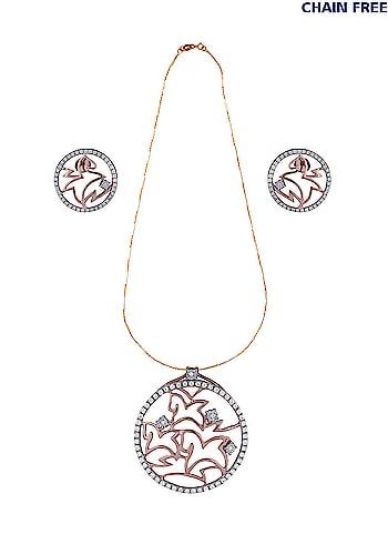 Rose Gold Women Real Diamond Pendant Set Set In 18Kt Yellow Gold(4.44 Gms) + Chain Free 18kt Gold,2.95gm (With Hallmark and Certificate would be provided)  Shop it here:- https://tinyurl.com/y83p8hak  #diamondpendant #pendant #earrings #jewellery #bridal-jewellery #jewellerystylist #diamondjewellery #girls