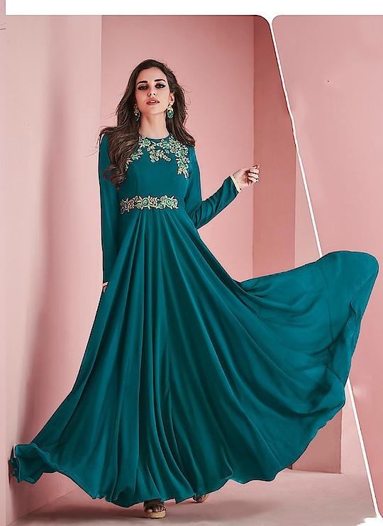 Fabric :- Fox Georgette Work :- Embroidery Inner :- Heavy Crap  Buy Now :- https://tinyurl.com/y7cysrlj  Whats App :- +91 7621863000  #kurti #partywear #casualwear #designer #indianwear