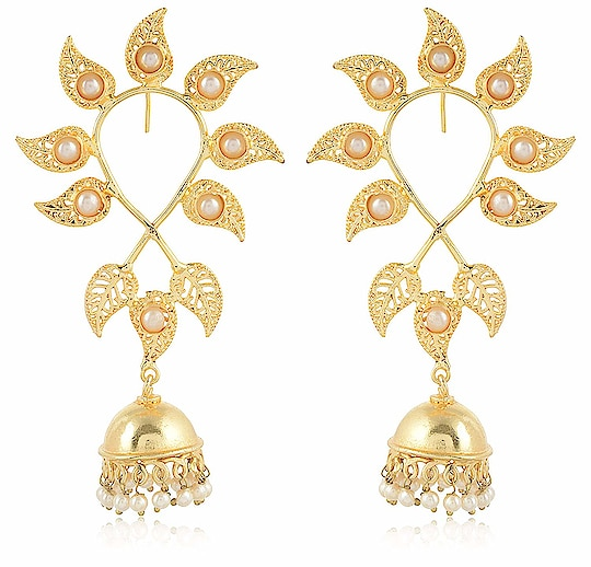 Earring for Women/Girls Aamani Gold & Off White MATT Finish Leafs Jhumki for Women/Girls From the house of AAMANI, Unique designe Gold plated MATT finishing peacock style with Multi colour stone earrings are easy to wear, light in weight which give you a rich look & make you feel Royal. This designer Jhumki is so unique in design and style that you can flaunt it all the time. Here are very beautiful and traditional earring & jhumki erarrings from the house of AAMANI For Purchase you   can just click on the images and shop now Amazon Market place #eraring #jhumki #designerearing #traditionaljewelry #ethnicitem https://www.amazon.in/dp/B07HRX4K16