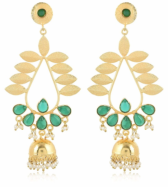 Earring for Women/Girls Aamani Gold & Off White MATT Finish Leafs Jhumki for Women/Girls From the house of AAMANI, Unique designe Gold plated MATT finishing peacock style with Multi colour stone earrings are easy to wear, light in weight which give you a rich look & make you feel Royal. This designer Jhumki is so unique in design and style that you can flaunt it all the time. Here are very beautiful and traditional earring & jhumki erarrings from the house of AAMANI For Purchase you   can just click on the images and shop now Amazon Market place #eraring #jhumki #designerearing #traditionaljewelry #ethnicitem https://www.amazon.in/dp/B07HRXRJKV