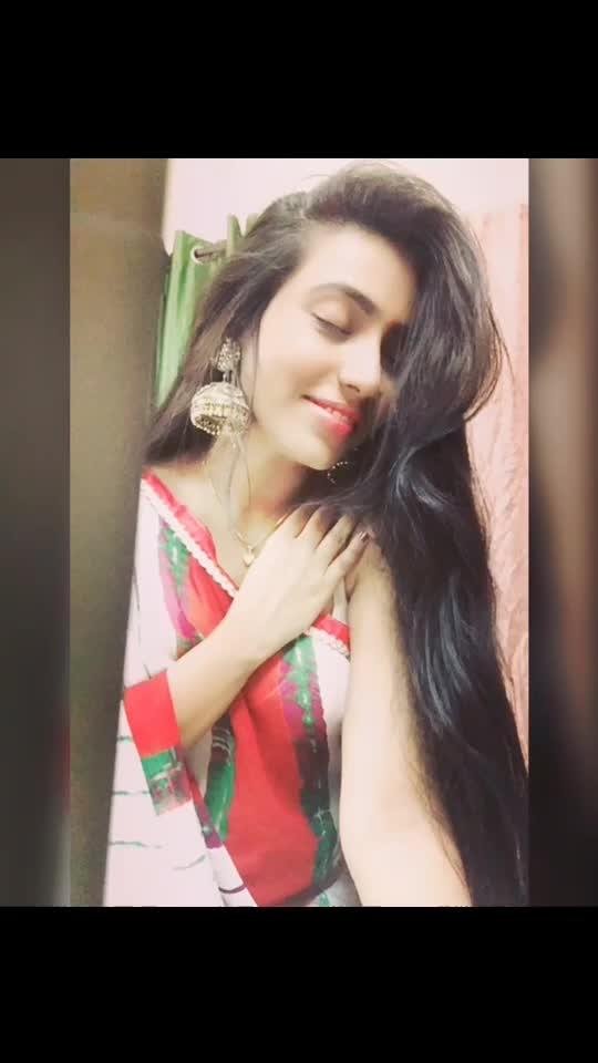 #nayeli #ropo-beauty #diffrentstyle #lifetstyleblogger #longhair #saree #jhumkas 😘😘😘❤️❤️❤️💋💋🌷🌷😜😜