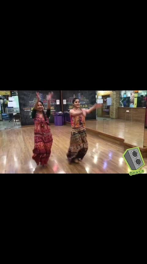 Hey Guys...it's navratra and nothing can be more enjoyable then doing garba on this occasion...so here is a short dance video on the song Dholida from Loveyatri..I ll be uploading the whole video my YouTube channel too...so stay tuned! . Dance Partner @rishikasinghal  . #beats #roposostars #rangoli #festivelook #rangoli #fashionquotient #traveldiaries #musafir #fashionquotient  #rangoli #filmistaan #ootn #topnotch #roposostars  #trending #fashiondiaries #roposotalks #ropsocontests  #ootd #fashionblogger #captured  #roposo-photoshoot #photography #delhibloggergirl  #twinklewithmystyle #wow #beats