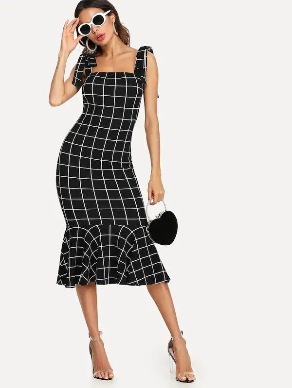 Black Ruffle Dress Website Link - https://amzn.to/2IRpD1W . . . . . . #dress #dresses #minidress #maxidress #mididress #partydresses #black #floral #fashionblogger #outfit #clothes #love #beautiful #girls #pretty #fashionista #fashion #women #womenswear #travelblogger #outfitpost #instastyle #india #mumbai #instafashion #fashionpost #womensfashion #womenswear #Christmas