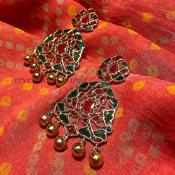 Visual treats in 925 silver with 18ct gold plating.. Exquisite adornments. DM or email at care@revere.co.in  #revere #ropo-beauty #mathapatti #creativespace #neckpiece #designer #weddingjewellery #jewellerydesigner #wedding #photography #jewellery #style #beauty #roposo-fashiondiaries #redlips #indianwear #earrings #kundanjewellery #fashionblogger #polkijewellery #celebrityfashion #celebritystyle #polki #bangles #befashionable