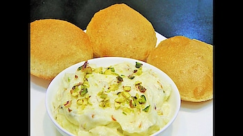 """Happy Dussehra to all of you.. Enjoy Dussehra special Sweet of """"Keshar Pista Shrikhand"""" recipe today.. #ropo-love #ropo #ropo-good #roposo #recipe #recipes #recipeoftheday #sweet #dessert #dessertporn #sweetlover #shrikhand #food #roposo-food #foodonroposo"""