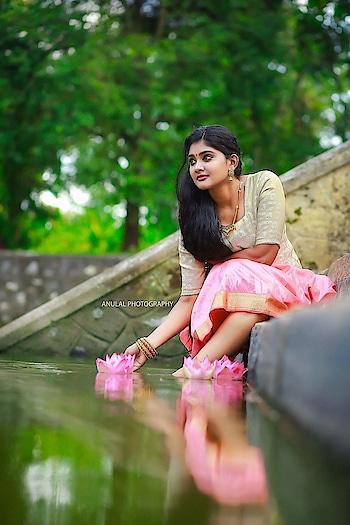 Vindhuja Vikraman photoshoot stills by Anulal Photography https://www.southindianactress.co.in/featured/vindhuja-vikraman/  #vindhujavikraman #southindianactress #malayalamactress #kerala #keralagirl #keralamodel #malayali #malayalee #mallugirl #modelshoot #modelphotography #modelphotography #actressmodel #southactress #traditional #traditionaldress #fashion #style #rangoli