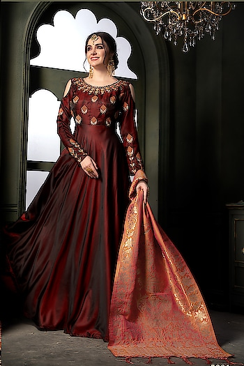 Designer Party Wear Semi-Stiched Gown Suit...💞 Price:-2999/- 💗 Worldwide Shipping 💗 For Order/Price What-app us (+91) 8097909000 💗 Quality Assured 💗 Custom Stitching * * * * #salwar #salwarsuits #dress #dresses #longsuits #suitsonline #embroidered #motiwork #onlinefloralsuit #floral #fashion #style #gown #gowns #classy #designer #partywear #partyweargown #partywearlehenga #exclusive #ethnic #floralprinted #love #us #uk #usa #international #worldwideshipping 📦 ✈