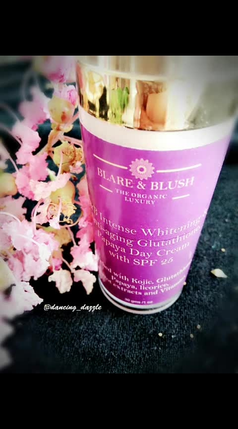 """BLARE & BLUSH (The Organic Luxury) Intense Whitening and Anti-Aging Glutathione and Papaya day cream