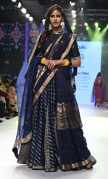We are delighted to invite you for an exclusive Preview of Times Fashion Week - Sheesh Mahal by RAR Studio at Deval The Multi Designer Store on 22nd and 23rd October 2018. . Their collection is inspired from Mughal murals and architecture combined with rich Indian textiles and age old embroideries on beautiful handloom silk chanderi. . Meet Aniket from RAR Team at our Store. #rarstudio #devalstore #ahmedabad #designerwear #designercollection #silk #chanderi #mughalcollection