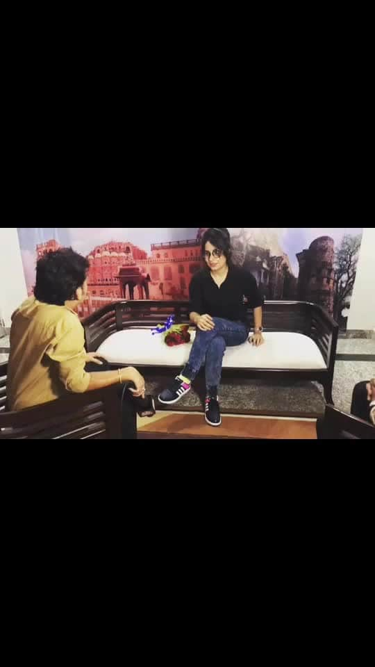 Interview time💁🏻♀️🎤 #welcome #tvceleb #bouquet #primenews  #jaipur #rajasthan #newschannel #office #newsanchors #interview #upcomingprojects #movie #shooitng #salasar #salasarbalaji #salasarbalajitemple #actorslife #artist #actor #shooting