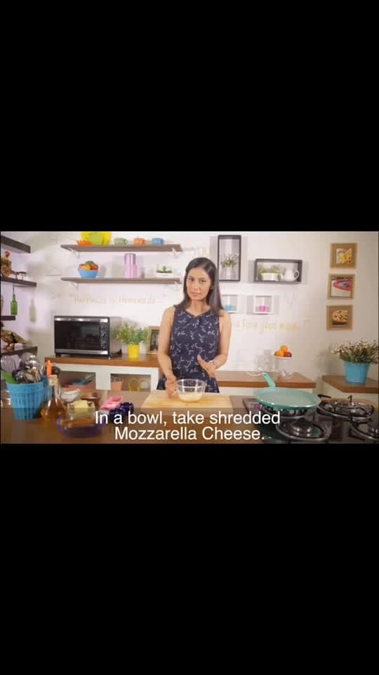 Any time snack..  Loved by all the age groups... So few ingredients... Best snack this Diwali. 💋💋💋 Love M #ChefMeghna #Cheese #Chili #Toast #Snack #Food #Foodie  #Recipe #Video #diwali #cheesy #bread #simple #cooking #eatit #HappyDiwali #hungrytv