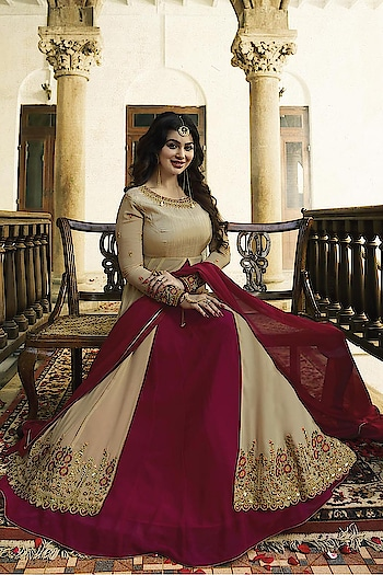 Ayesha Takia Designer Anarkali Suits.. 💞  Price:- 2999/- For More Visit Here 👉 https://bit.ly/2wH8XVc 💗 Worldwide Shipping  💗 For Order/Price What-app us (+91) 8097909000  💗 Quality Assured  💗 Custom Stitching * * * * #Ayeshatakia #salwar #salwarsuits #dress #dresses #longsuits #suitsonline #motiwork #onlinefloralsuit #picoftheday #style #bestoftheday #love #designersuits #anarkalisuits #beauty #onlineboutique #celebrity #womenclothing #clothingboutique #eidspecailsale #womenwithstyle #fashionstyler