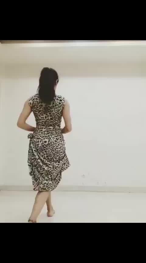 #kizomba #meghakhatri #kizombafusion #tarraxinha #bodymovement #bodycontrol #twerk #musicality #movement #ladystyle #kizombaladystyle #leopardprint #fusion #gwepaaa #portalkizomba #kizombakizomba
