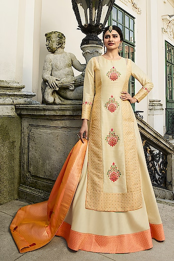 Ready Made Prachi Desai Cream Art Silk Anarkali Suit. Link To Buy:-https://bit.ly/2RwwRvt To Order Whats-app us (+91) 8097909000 * * * * #salwar #salwarsuits #dress #dresses #longsuits #suitsonline#patialasuits #onlinepatialasuits #embroidered #prachidesaisuits #bollywood #fashion #style #stylish #love #offer #beauty #beautiful #pretty #design #shopping #ethnicwear❤️✌️