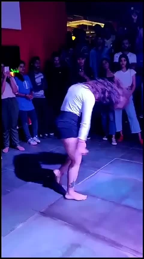 #danceing #feature #party #bollywoodsuit #likemyvideo #roposo-masti #female
